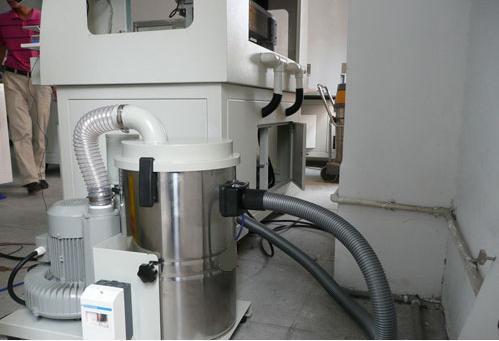 昆山施耐特自动化设备公司再次选用优尼斯工业吸尘器SHJAM220