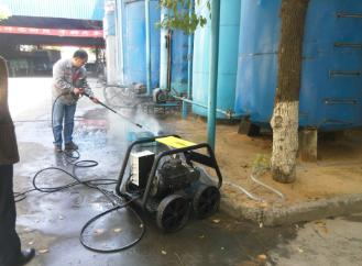 优尼斯第8台高压清洗机进驻香林达企业