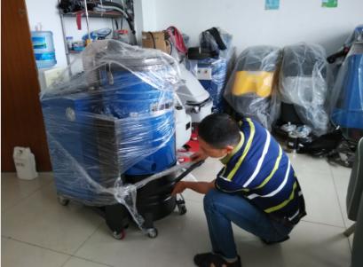 辽宁客户千里之外订购优尼斯工业吸尘器