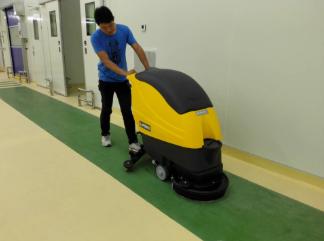 苏州维益食品认准优尼斯进口手推式洗地机
