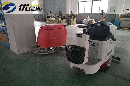 宁波开关厂采购驾驶式洗地机,选优尼斯
