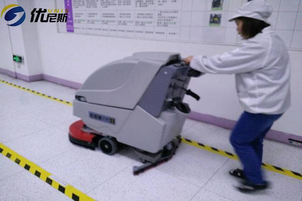 吴江峻凌电子再添手推式洗地机  优尼斯清洁洗地机售后有保障