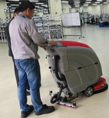 微创骨科采用先进清洁设备-优尼斯洗地机
