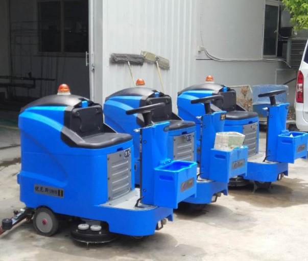 优尼斯驾驶式洗地机在弹簧厂使用效果显著