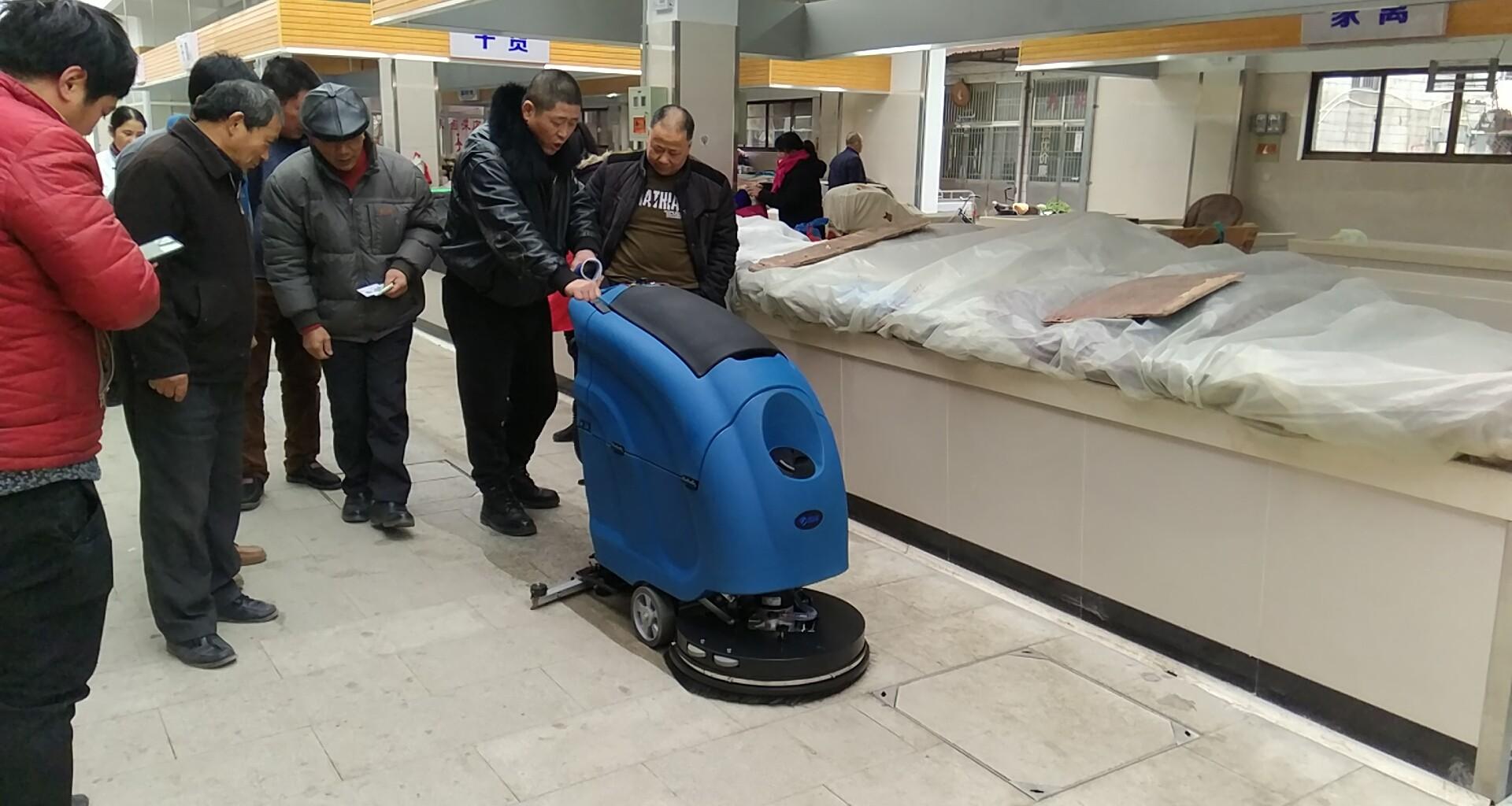 黄土塘菜场指定选用优尼斯洗地机