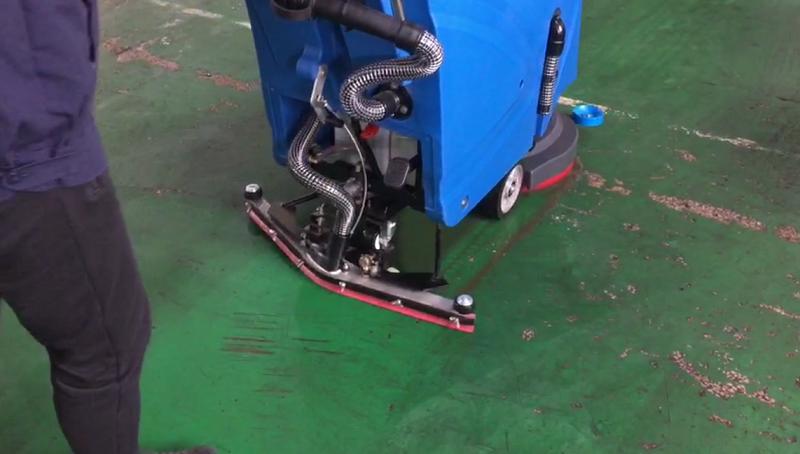 苏州珑兆精密选择优尼斯洗地机