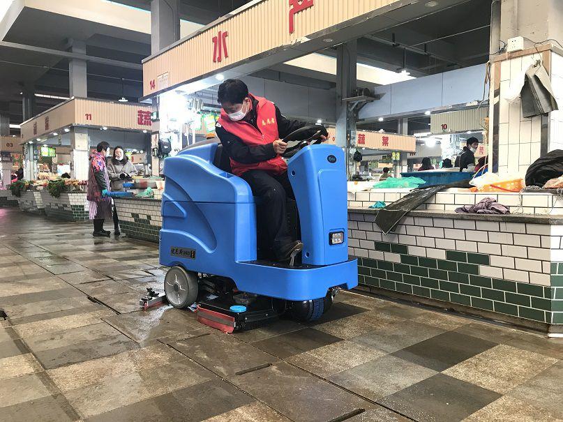 无锡鸿声集贸市场选择优尼斯大型驾驶式洗地机